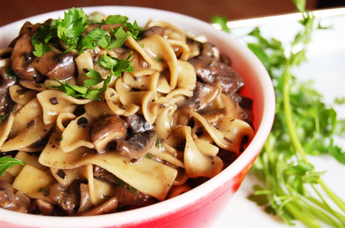 OneGreenPlanets vegan mushroom stroganoff recipe